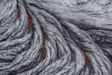 Lava ropes (Photo: Tom Pfeiffer)