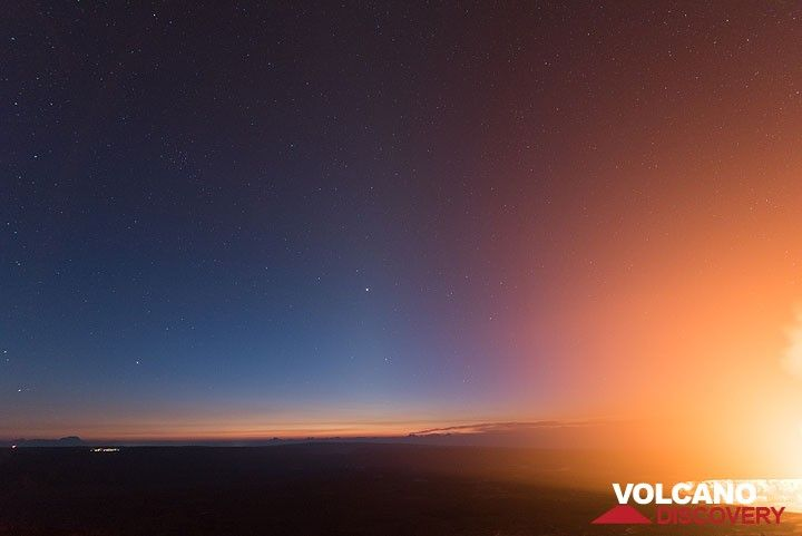 Early dawn with Gegenschein (the light pyramid above the horizon's dawn) (Photo: Tom Pfeiffer)