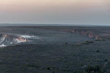 Western part of the Kilauea caldera (Photo: Tom Pfeiffer)