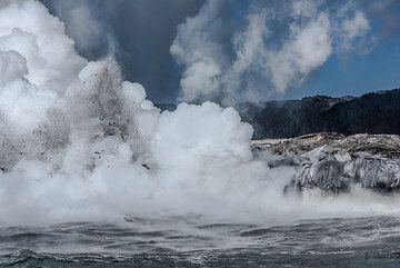 Littoral explosions hidden in the dense steam. (Photo: Tom Pfeiffer)