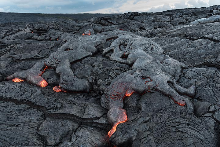 Another breakout with several advancing lava flow toes. (Photo: Tom Pfeiffer)