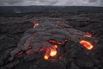 Advancing pahoehoe lava flow from Kilauea volcano, Hawaii (Mar 2017) (Photo: Tom Pfeiffer)