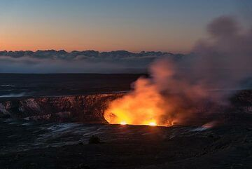 Kilauea volcano (Hawaii): summit lava lake (Mar 2017) (Photo: Tom Pfeiffer)