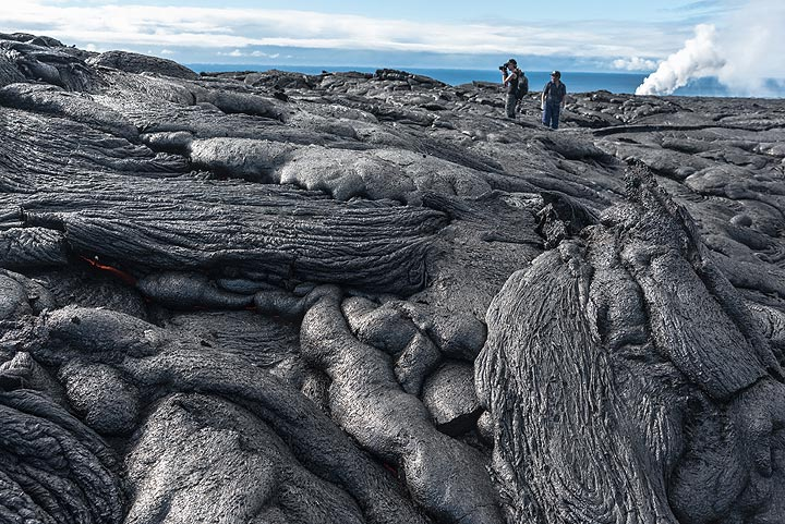 On our way to search active lava. (Photo: Tom Pfeiffer)