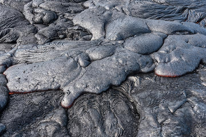 Flatter overlapping toes with smooth surfaces at an active flow margin. (Photo: Tom Pfeiffer)