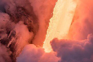 Liquid fire (Photo: Tom Pfeiffer)