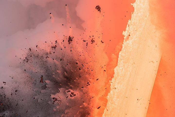 Morning explosion (4) (Photo: Tom Pfeiffer)