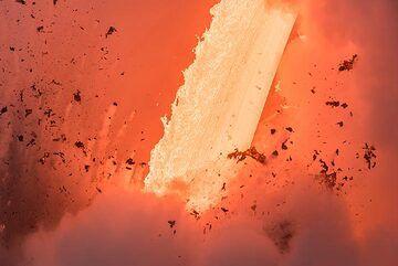 Irregularly shaped lava fragments (Photo: Tom Pfeiffer)