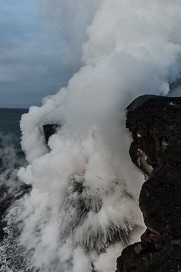 Only an explosion is seen here with steam blocking the view of the lava. (Photo: Tom Pfeiffer)