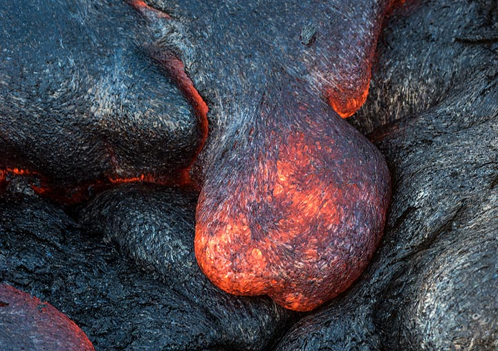 No two lava toes have exactly the same shape. (Photo: Tom Pfeiffer)