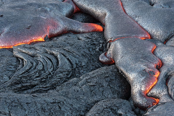 Intense lava breakout activity can cover a square meter of older ground in less than a minute. (Photo: Tom Pfeiffer)