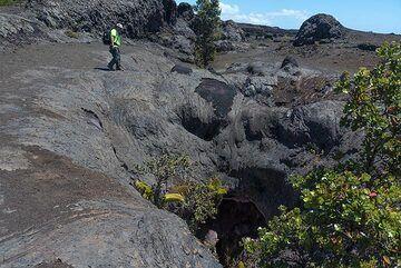 Part of the eruptive fissure (Photo: Tom Pfeiffer)