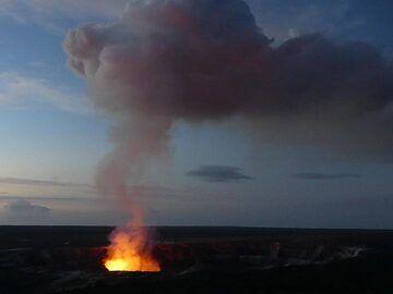The lava lake at Halema´uma´u crater at dawn (Photo: Ingrid Smet)