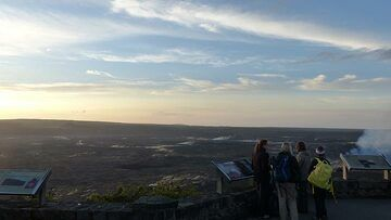 Day 3: Looking across Kilauea´s summit caldera from the Jaggar Museum viewpoint (Photo: Steven Van den Berge / Lana Van Heghe)