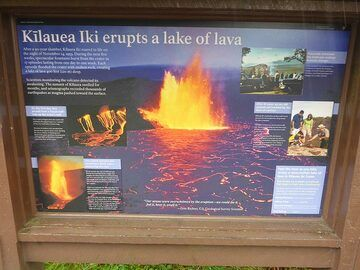 Day 6: Information plate showing a picture of the actual eruption at Kilauea Iki in 1959, more or less the same field of view as the first image of day 6 (Photo: Ingrid Smet)