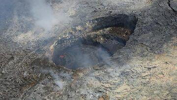 Extension day 3: The active lava lake atop the Pu´u O´o shield (Photo: Steven Van den Berge / Lana Van Heghe)
