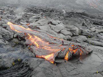 Active pahoehoe lava flow front (Photo: Ingrid Smet)