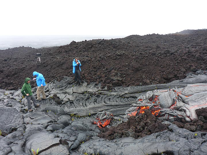 Not a single moment in the 3,5 hours that we spend with these active lava flows was boring! (Photo: Ingrid Smet)
