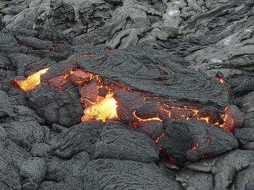 Zoom onto the lava flow front (Photo: Ingrid Smet)