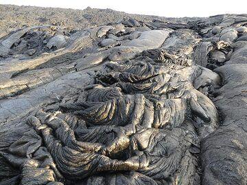 Pahoehoe lava textures (Photo: Ingrid Smet)