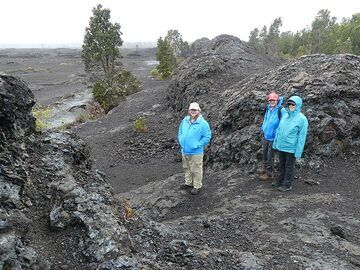 Standing at the very site where in 1969 the fissure of the Mauna Ulu eruption ripped through the earth's surface and created high lava fountains! (Photo: Ingrid Smet)