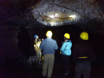 Exploring the Kazumura lava caves (Photo: Ingrid Smet)