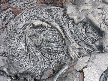 We now understand much better the formation of intricate textures in the surface of older lava flows such as these (Photo: Ingrid Smet)