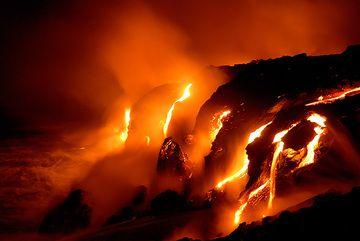 Lava flows from Kilauea volcano (Hawai'i) entering the Pacific Ocean  (Photo: Steve Hunt)