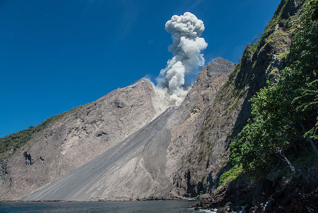 A typical small eruption at Batu Tara. (Photo: Tom Pfeiffer)