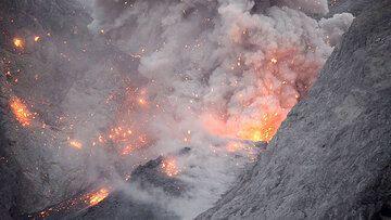 Batu Tara volcano 30 June - 4 July 2015: video clips of eruptions (c)