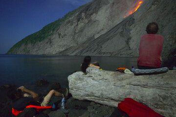 Observing Batu Tara volcano erupt (Komba Island, Indonesia) (Photo: Tom Pfeiffer)