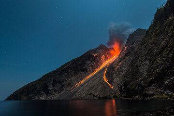 Night-time fireworks from Batu Tara (Photo: Tom Pfeiffer)