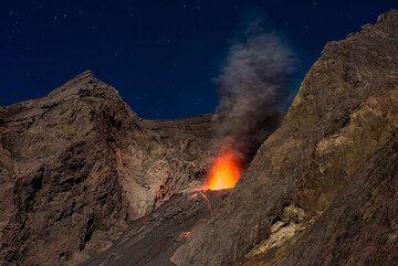 Strombolian activity during the night. (Photo: Tom Pfeiffer)