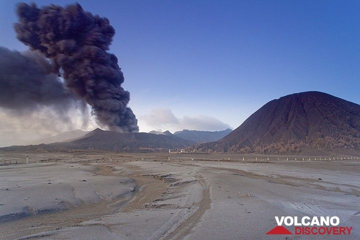 A loud detonation is followed by a billowing ash plume from the crater (16 Feb) (c)
