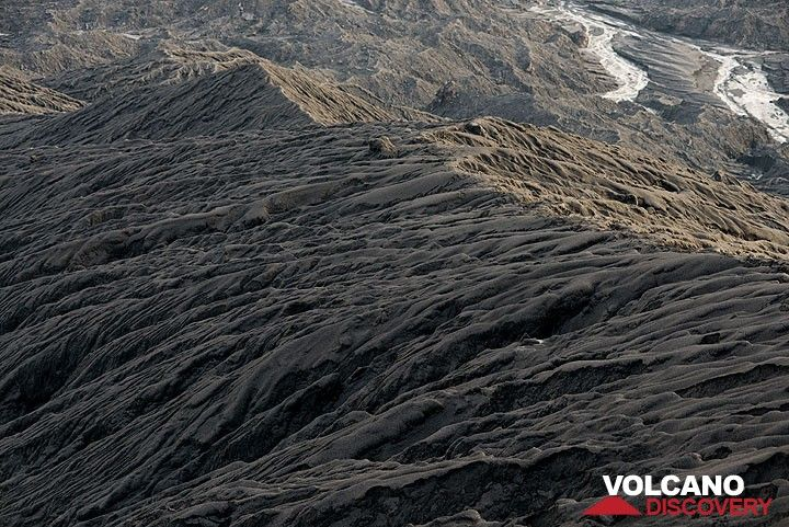 Gullied ash slope of Dukono. (Photo: Tom Pfeiffer)
