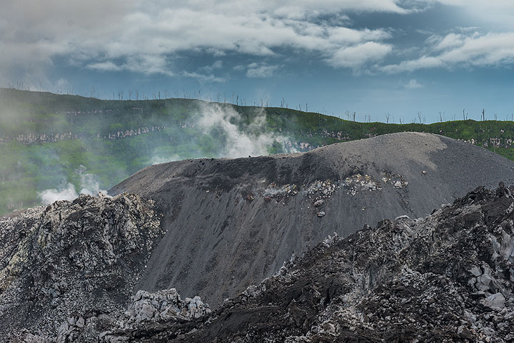 Impressions from our volcano tour to Ibu volcano in November 2014. We climbed and camped at Ibu volcano during 12-13 Nov 2014. See also photos of eruptions from the dome. (Photo: Tom Pfeiffer)
