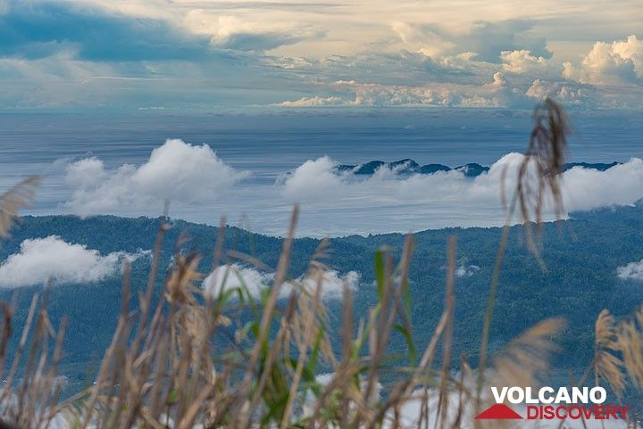 View from Ibu's crater rim to the west coast of Halmahera Island. (Photo: Tom Pfeiffer)