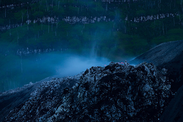Steaming and glow from the vent at the eastern base seen during dusk. (Photo: Tom Pfeiffer)