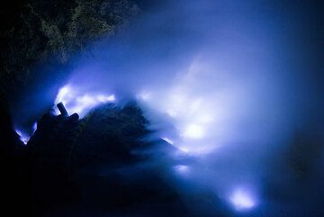 Ijen volcano's blue flames. A must see. (Photo: Tom Pfeiffer)