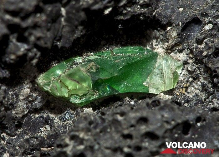 Very rare and big (2cm!) Olivine crystal at a rock of the Tengger caldera (Photo: Tobias Schorr)