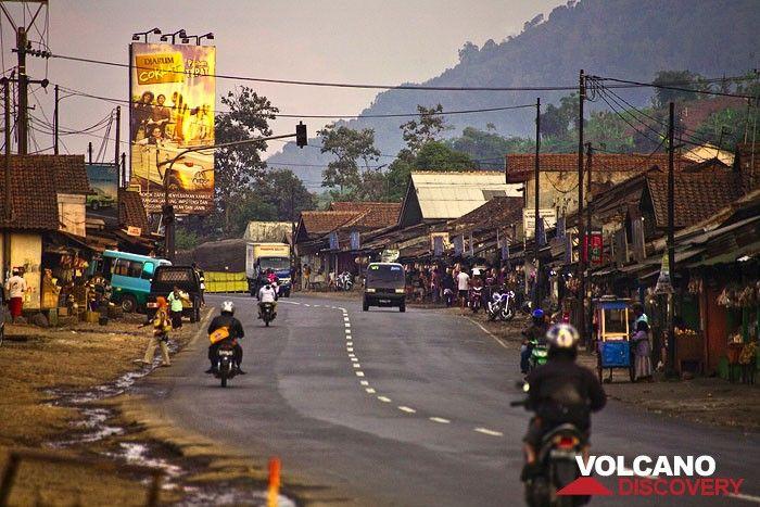 Road life in Indoesia (Photo: Tobias Schorr)