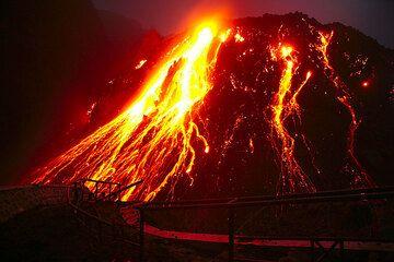 Kelud Vulkan 2007: vor dem Lavadom (c)