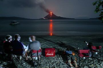 Our latest tour to Krakatau during 18-24 Nov rewarded participants with a night filled with fireworks, observed from a paradise beach. What a view! (Photo: Tom Pfeiffer)