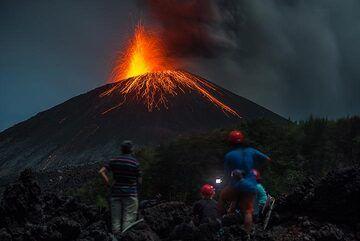 krakatau_k19542.jpg (Photo: Tom Pfeiffer)