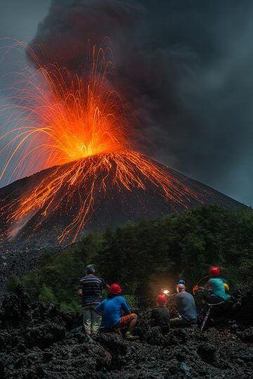 Eruption #2 of the series. (Photo: Tom Pfeiffer)