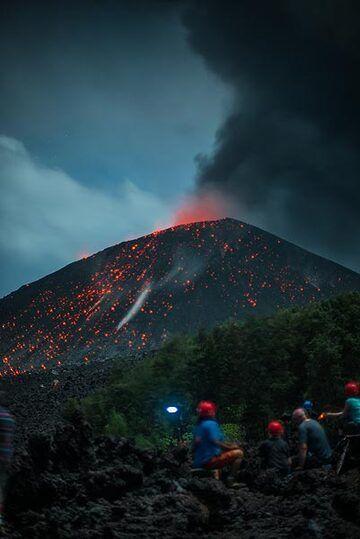 krakatau_k19560.jpg (Photo: Tom Pfeiffer)