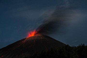 krakatau_k19756.jpg (Photo: Tom Pfeiffer)
