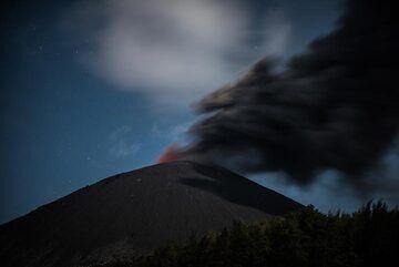 krakatau_k19760.jpg (Photo: Tom Pfeiffer)