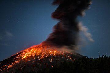 krakatau_k19763.jpg (Photo: Tom Pfeiffer)