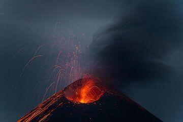 krakatau_k19788.jpg (Photo: Tom Pfeiffer)